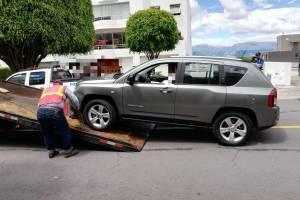 Localizan al auto involucrado en accidente en Cumbayá