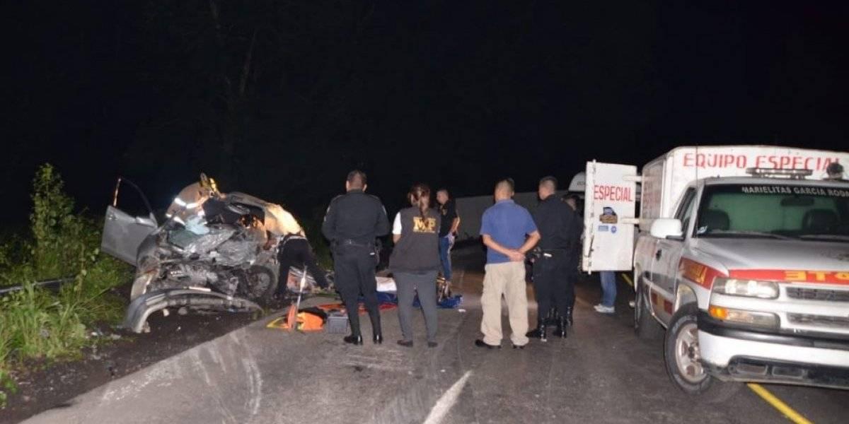 Contenedor cae sobre vehículo y mata al piloto en Suchitepéquez