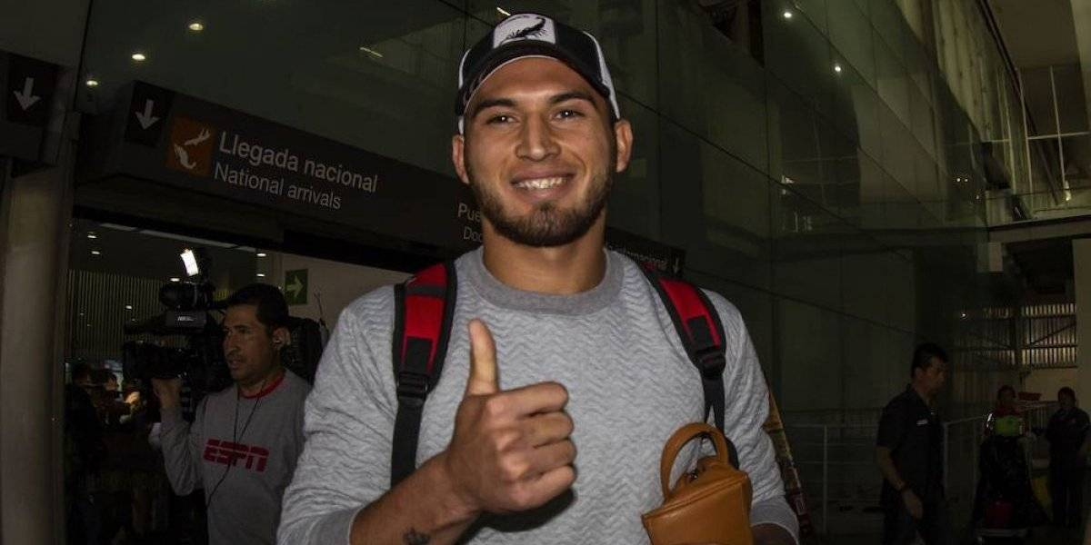 Cruz Azul oficializa el fichaje de Juan Escobar