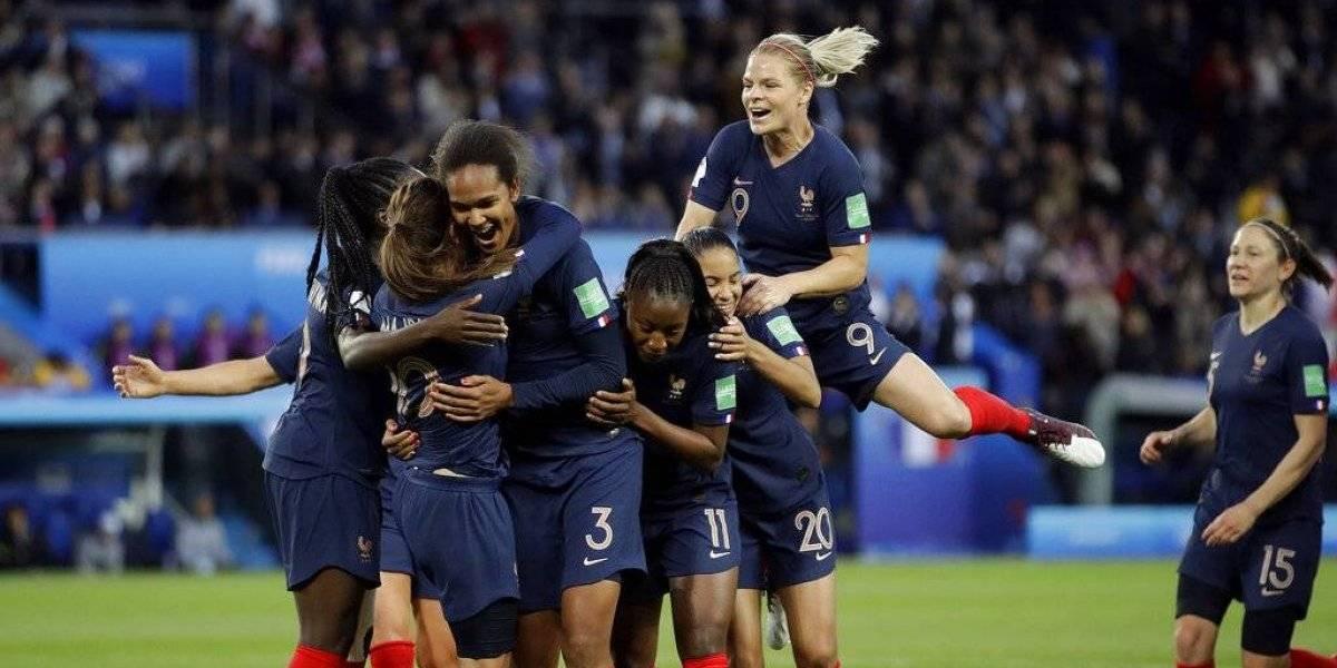 Francia comienza Mundial en casa con goleada a Corea del Sur