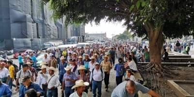 exmilitares se dirigen hacia comisión del diálogo para abordar tema de resarcimiento