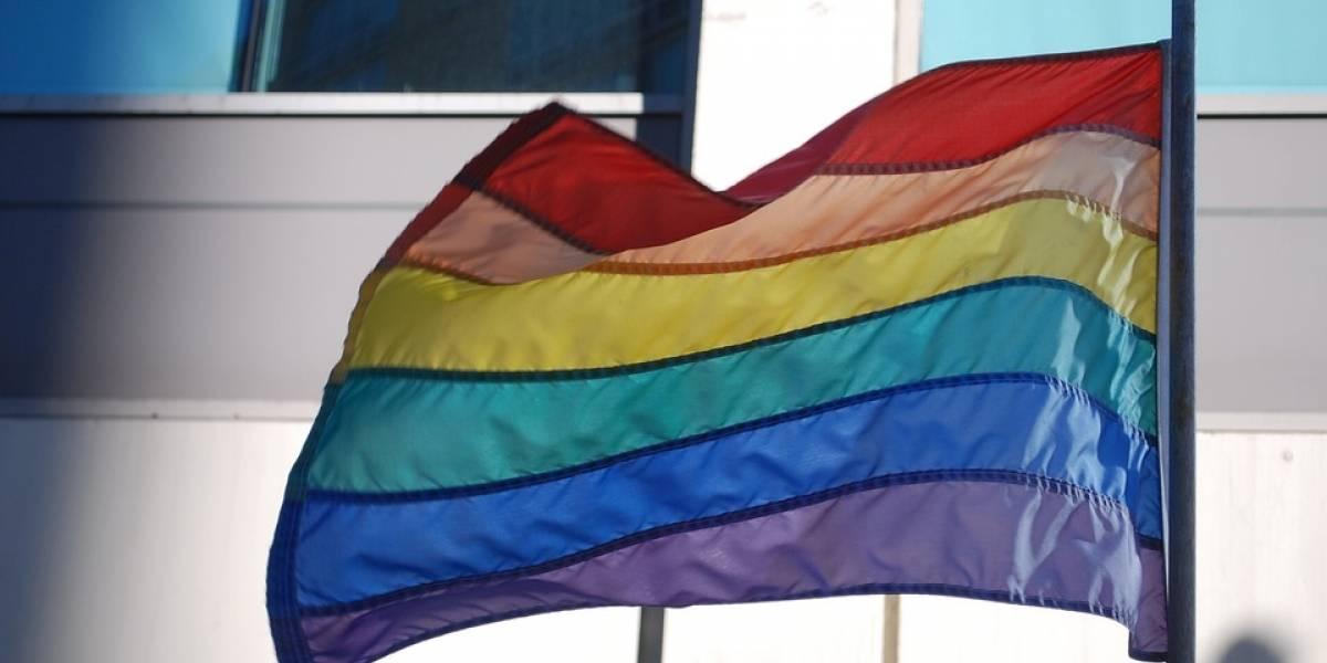 Governo Trump proíbe embaixada no Brasil de hastear bandeira LGBTQ+