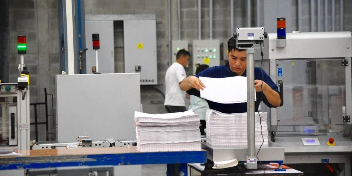 Enviarán material electoral a los centros de votación de Guatemala