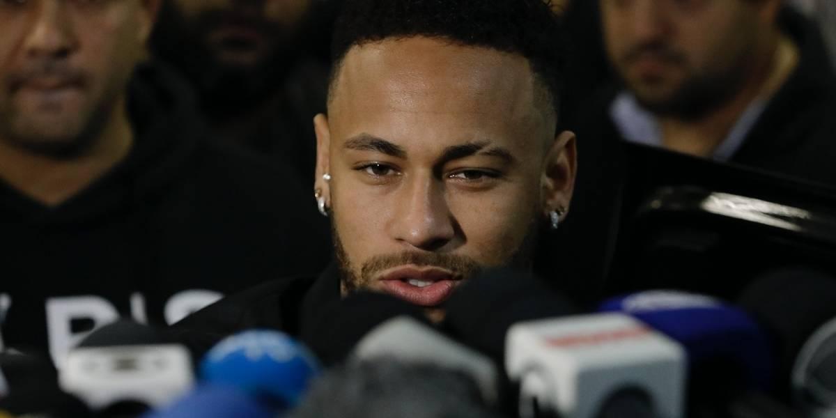 Testifica ante la Policía mujer que acusa a Neymar de violarla