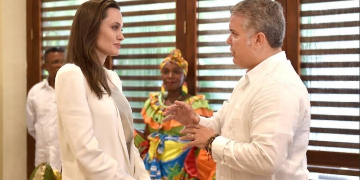 La curiosa expresión de Angelina Jolie mientras veía a Iván Duque