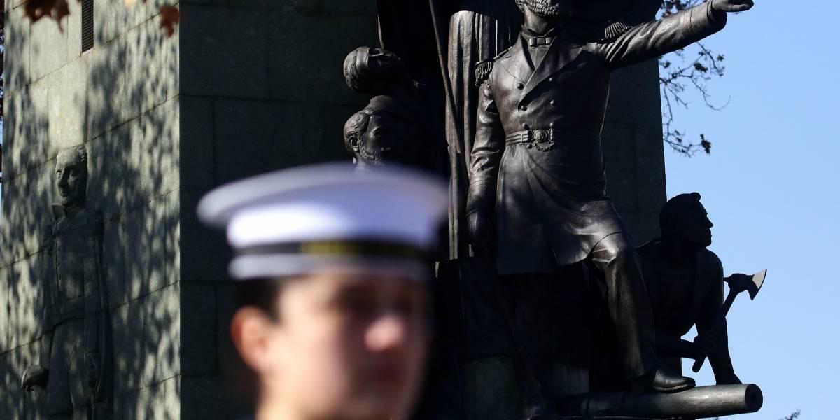Detienen a marino por violento acoso en Villa Alemana: seguía a mujeres en un auto y cuando se negaban a subir las insultaba