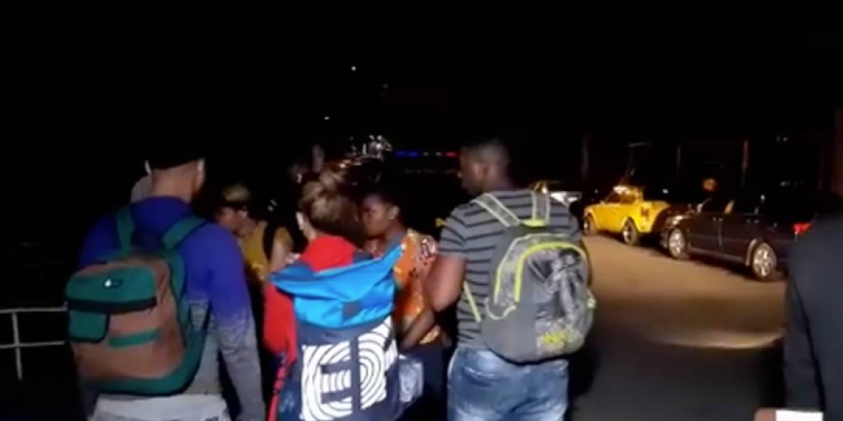 Rescatan a migrantes que fueron abandonados en la ruta al Pacífico