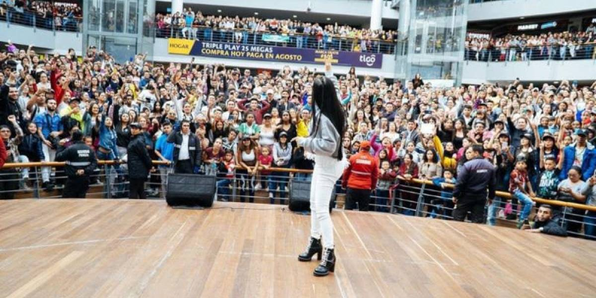Natti Natasha causa furor en Colombia