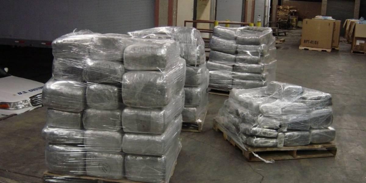 Armada halla cargamento de marihuana en cilindro adherido a embarcación