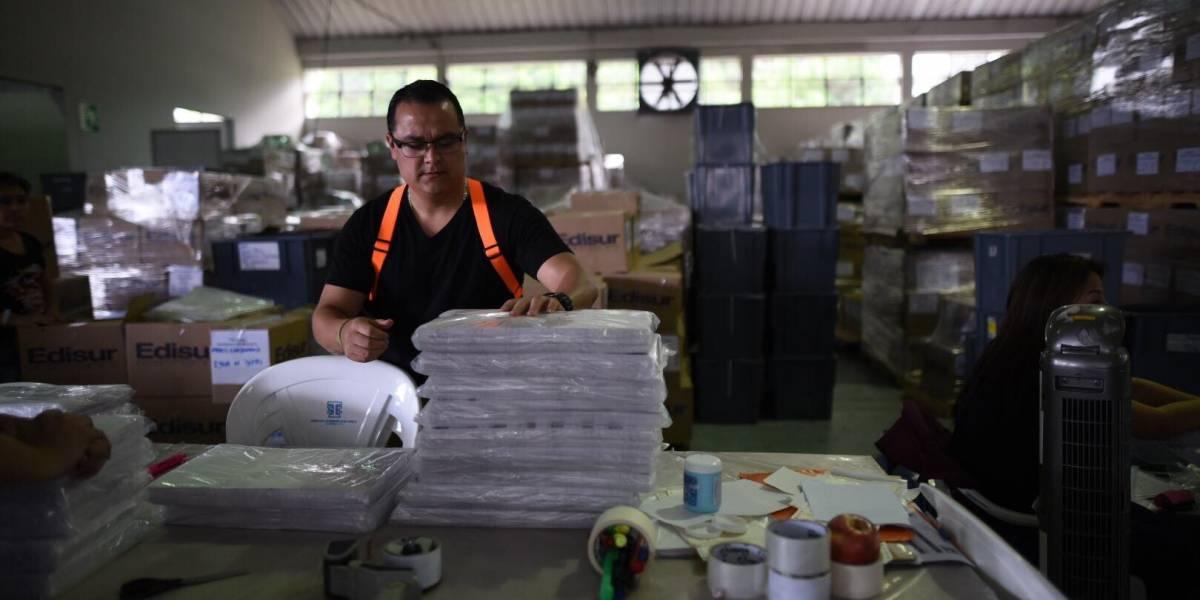 Empiezan a embalar papeletas que se enviarán a EE.UU.
