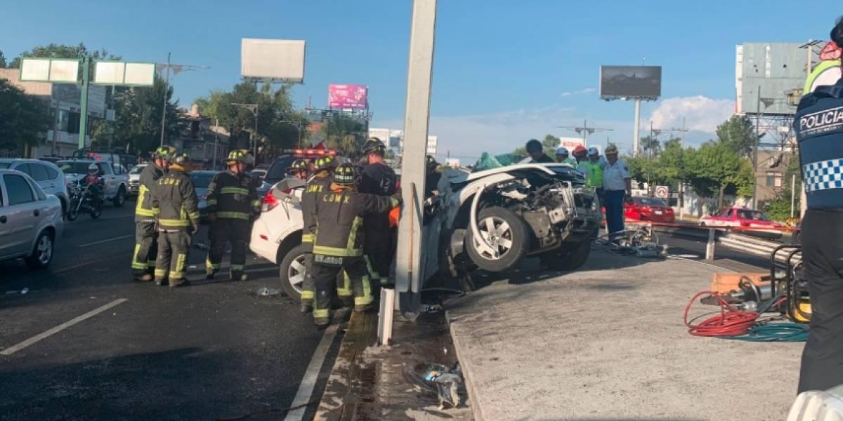 Aparatoso choque en Viaducto deja al menos 2 muertos