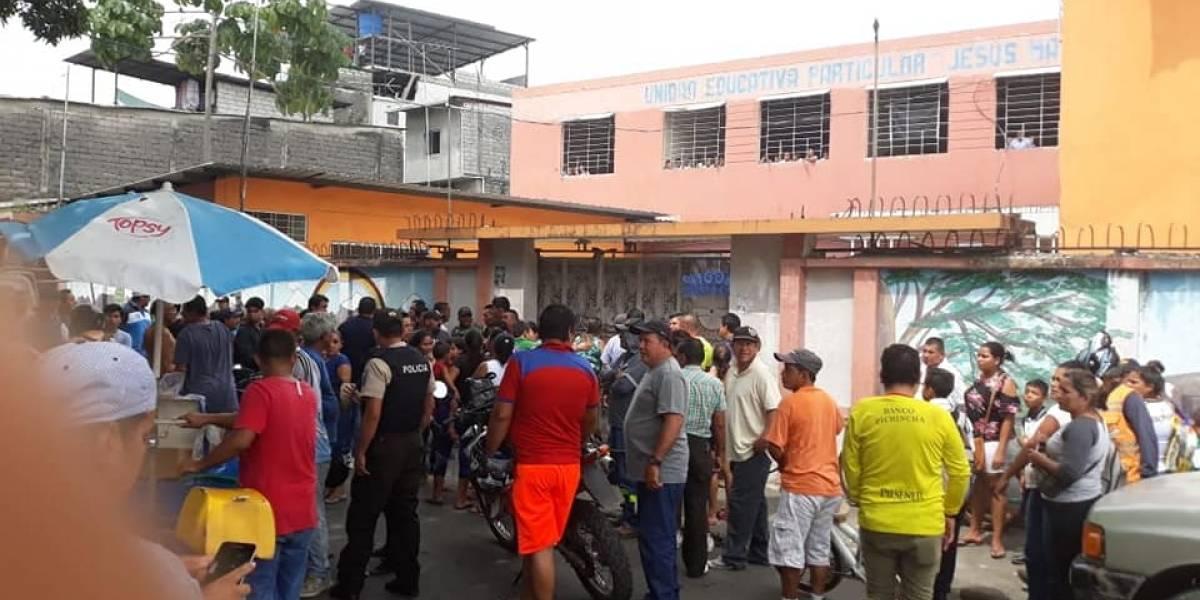 Asesinaron a un padre de familia dentro de la escuela de su hija en Babahoyo