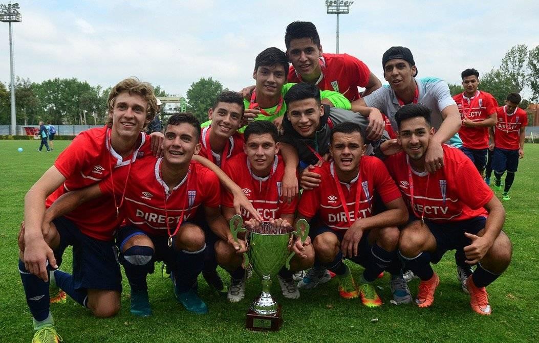 Andrés Souper compartió en la UC con jugadores como Ignacio Saavedra, David Henríquez y Vicente Fernández / Foto: cruzados.cl