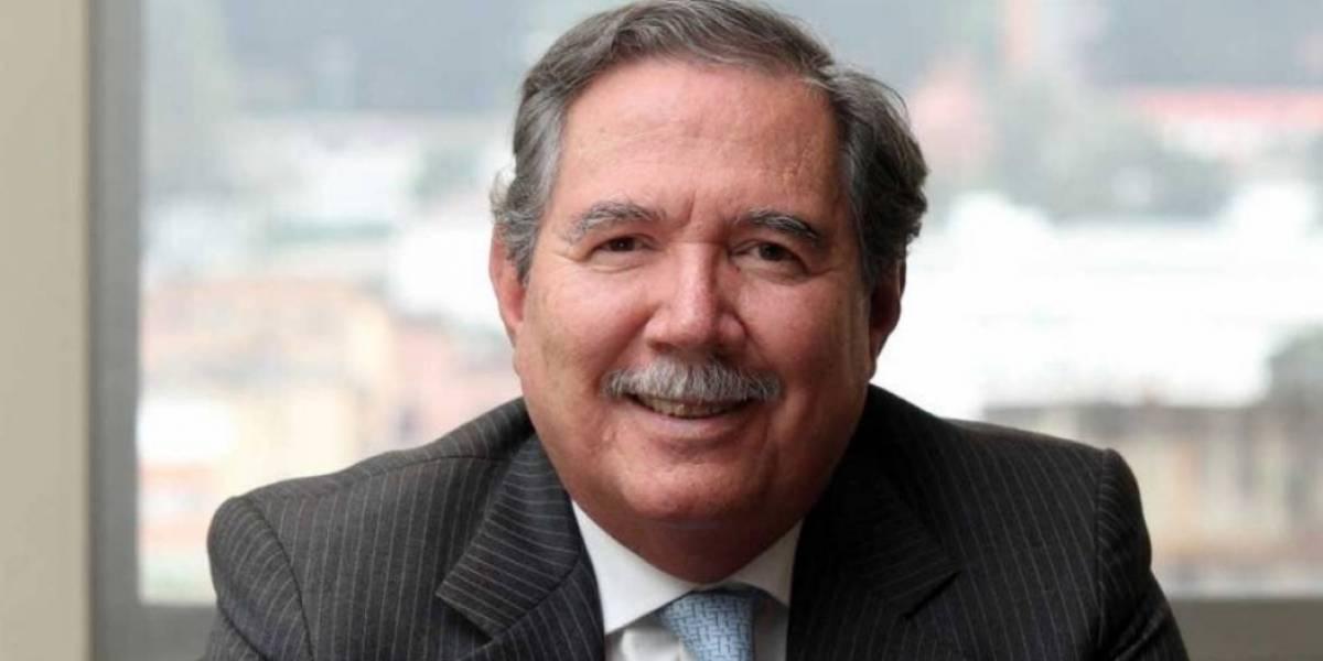 Oposición pide la renuncia al ministro de Defensa