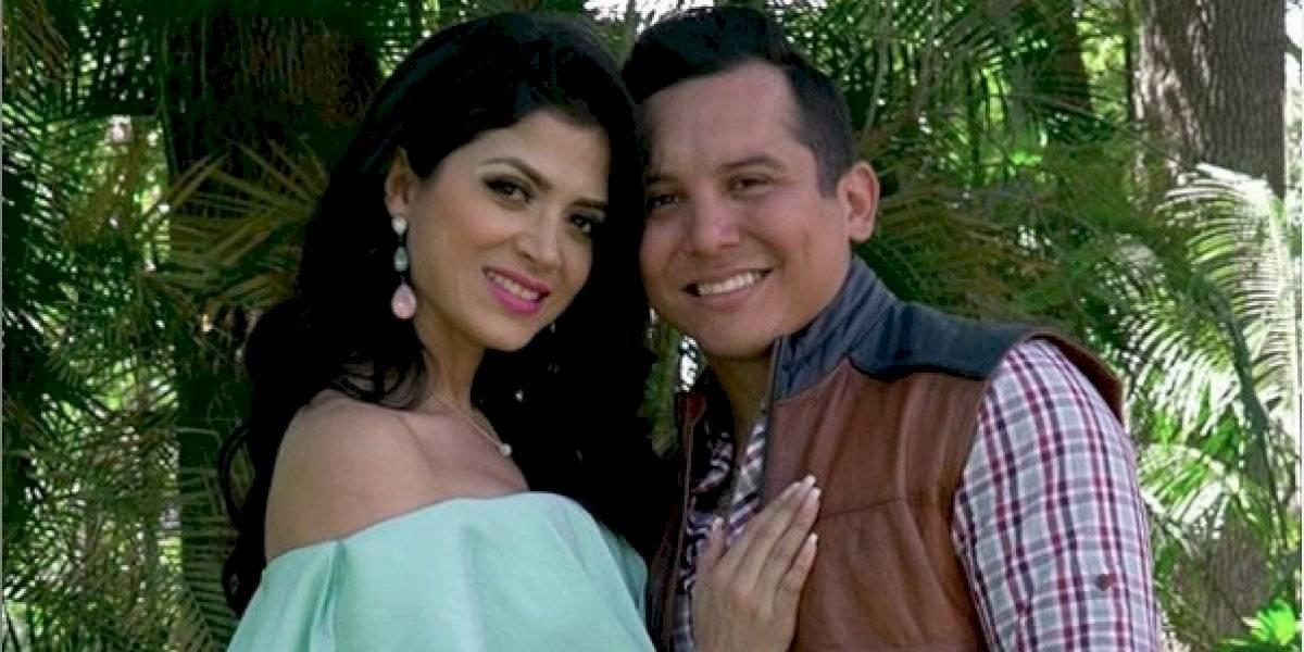 FOTO. Revelan la prueba de que Edwin Luna usa prendas de su esposa Kim Flores
