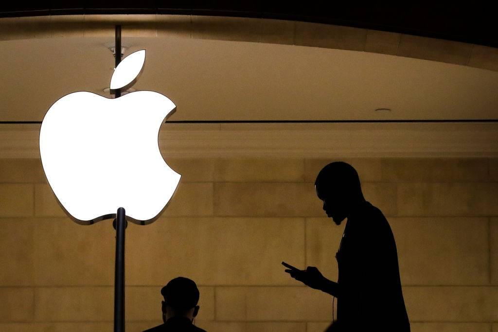 Cae red criminal que por años le robó a Apple y sus clientes 19 millones de dólares en celulares