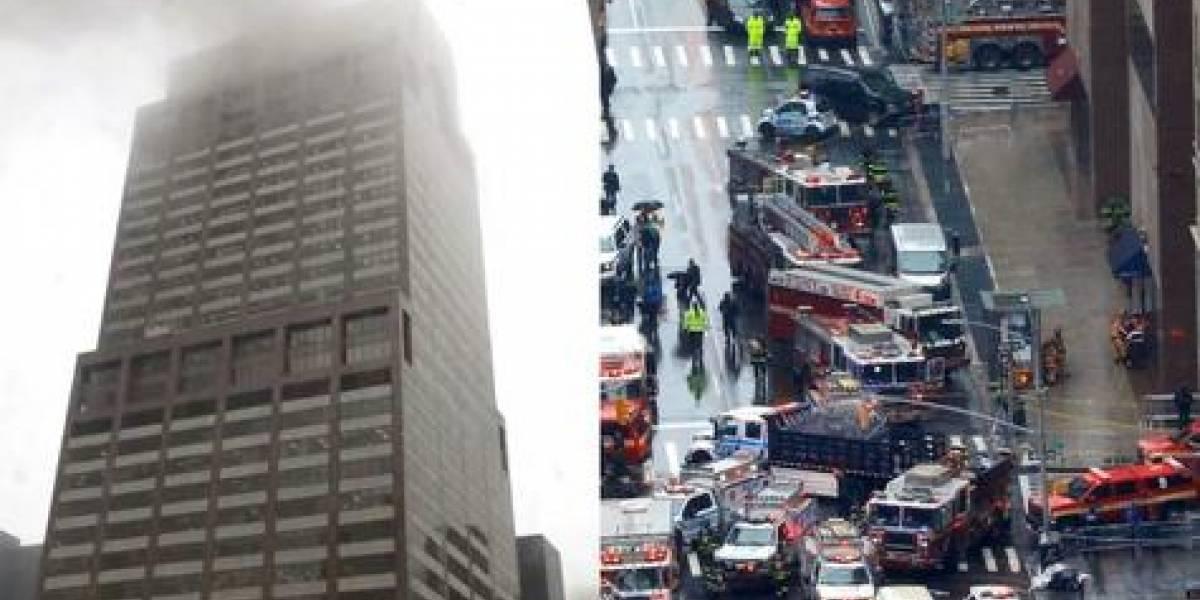Helicóptero choca con edificio en Manhattan