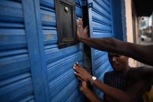 Migrantes se resisten a ser regresados a Honduras