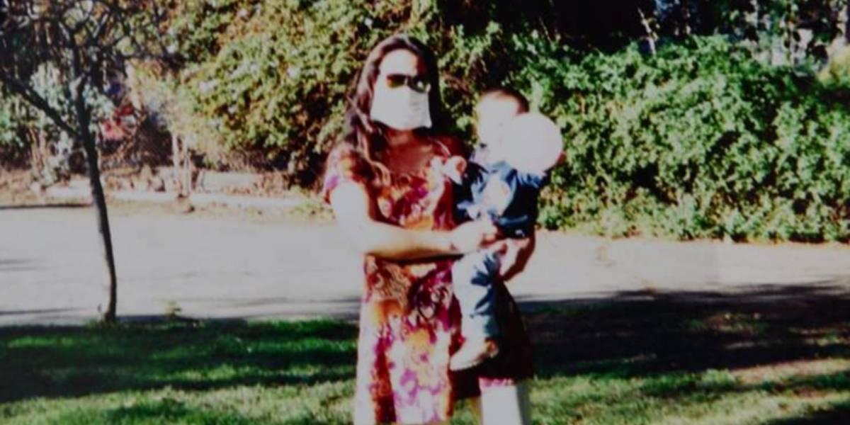 Mulher revela por que usou uma máscara para cobrir o rosto por 12 anos