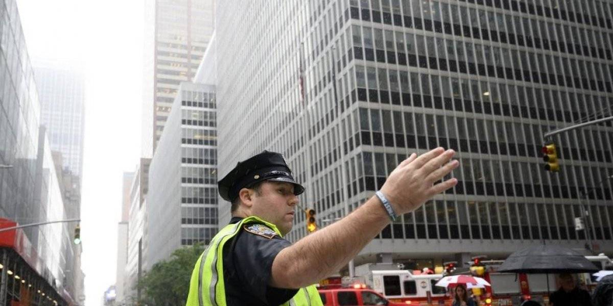 VIDEO. Helicóptero se estrella contra rascacielos en Nueva York