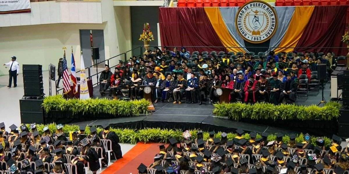 UPRH gradúa primera clase bachillerato Estudios de Puerto Rico y el Caribe