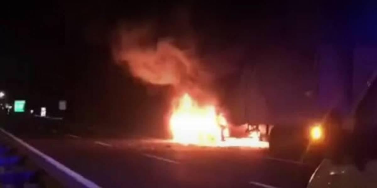 Camión se incendia en plena Ruta 68 y cortan el tránsito hacia Valparaíso: alta congestión en la zona