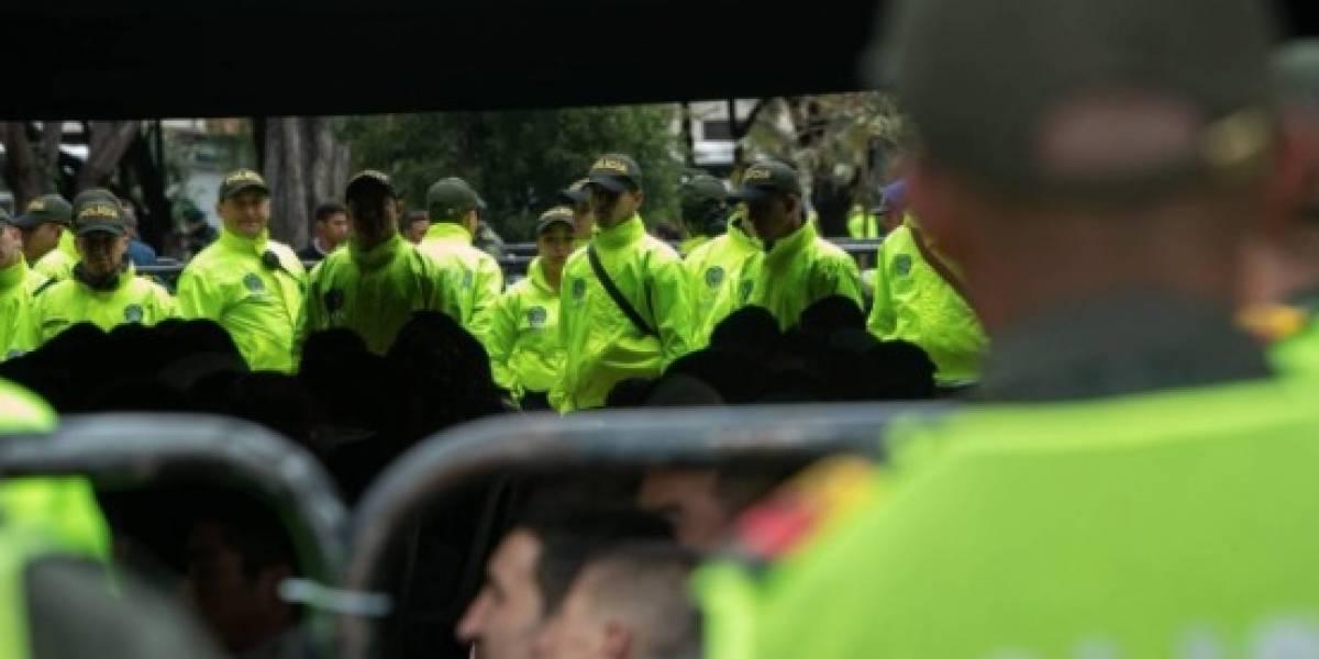 Cárcel a los tres policías que hacían parte de banda de ladrones en TransMilenio