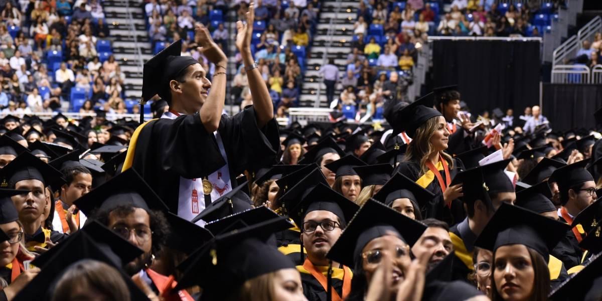 Solicitan a la Gobernadora enmendar Orden Ejecutiva para celebrar graduaciones