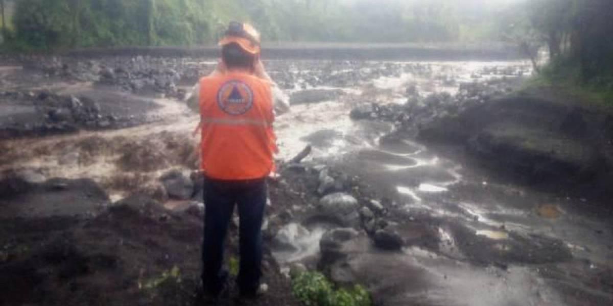 Lluvias generan descenso de lahares en el volcán de Fuego