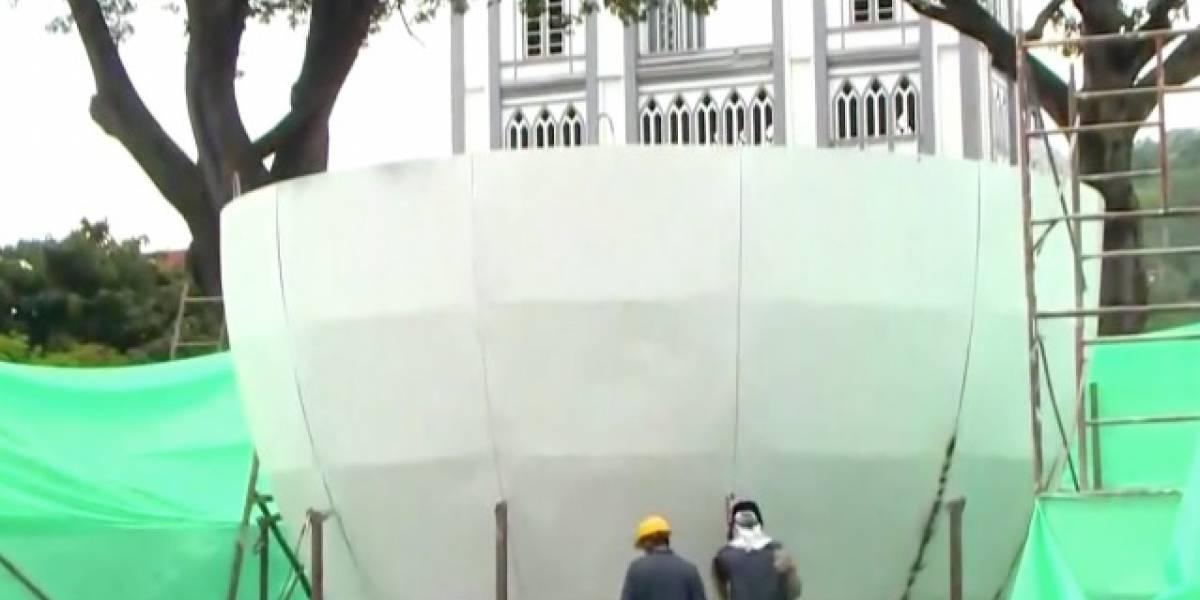 Construyen gigantesca taza de café