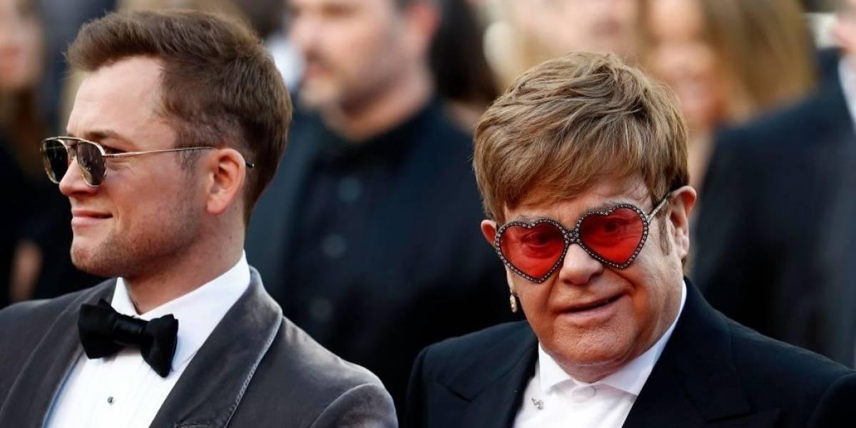 Rocketman: Taron Egerton se junta a Elton John no palco para cantar 'Your Song'; veja vídeo