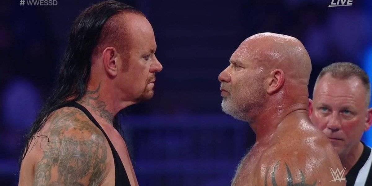 VIDEO: Undertaker y Goldberg ponen en riesgo sus vidas durante pelea