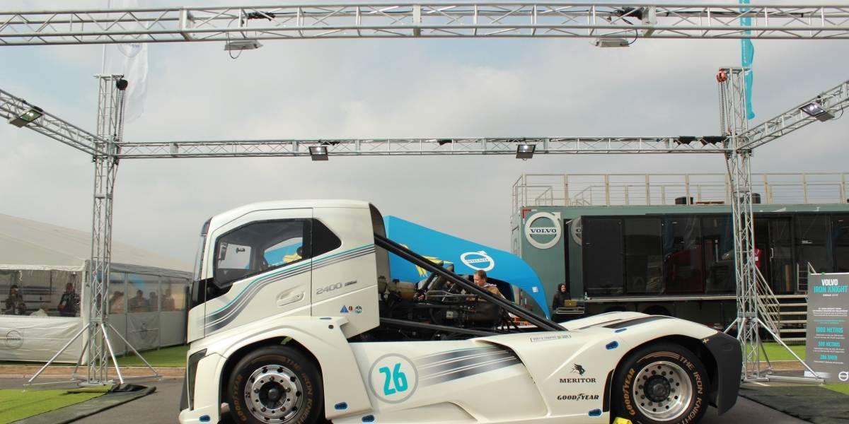 El Volvo Iron Knight, el camión más rápido del mundo, se luce en Codegua