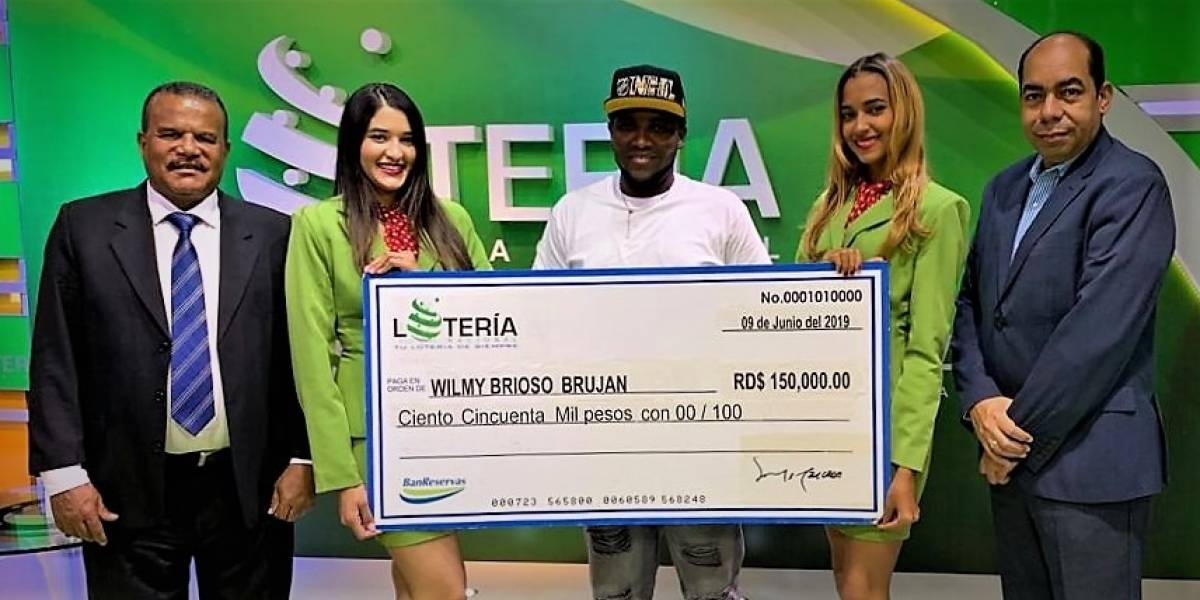 Empleado de Punta Catalina gana premio de la Lotería Nacional