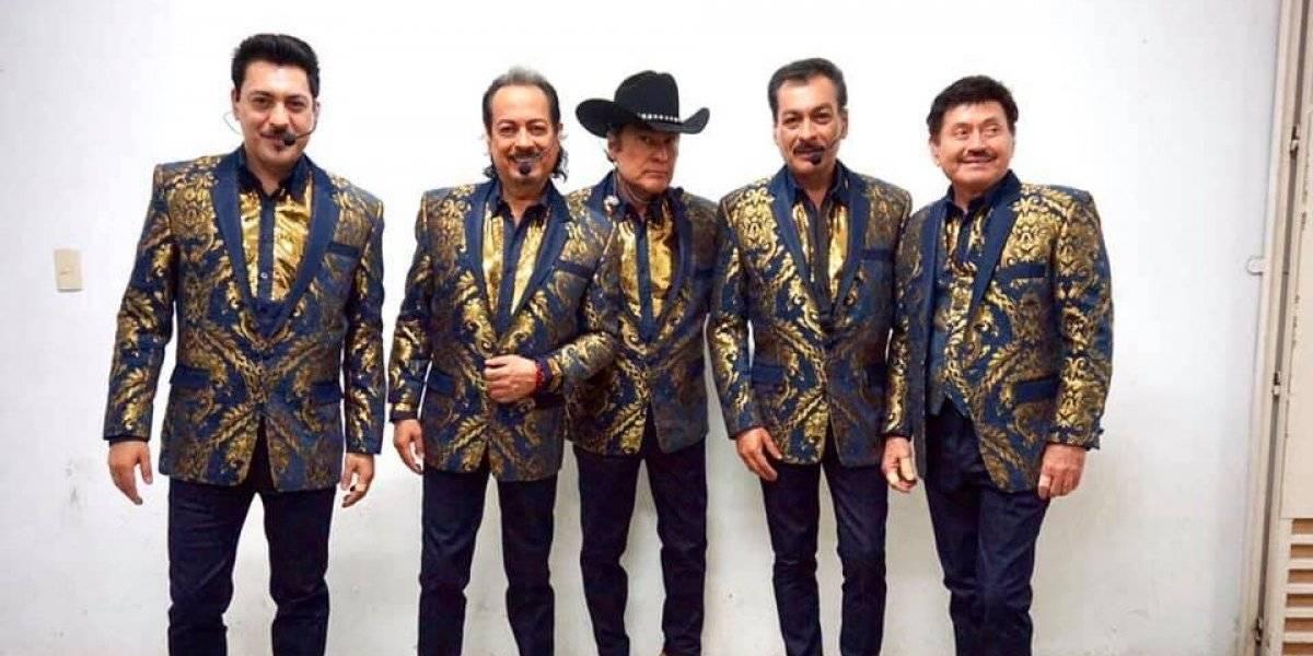 Los Tigres del Norte disfrutan sus propias canciones