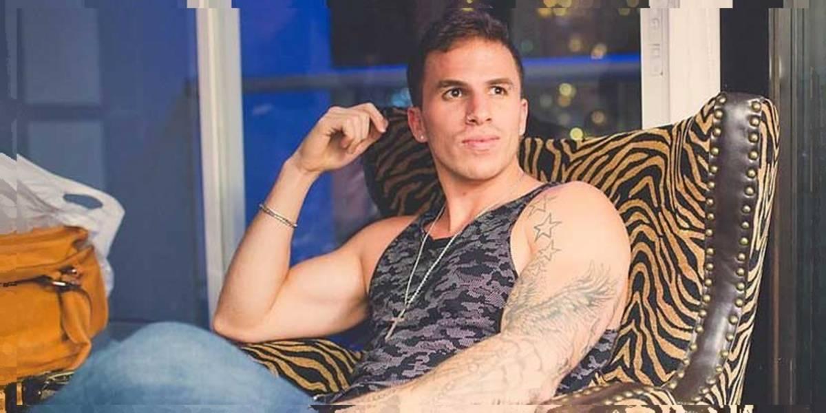 El cantante guatemalteco Ale Mendoza estrena look y fans aseguran que es un clon de Bad Bunny