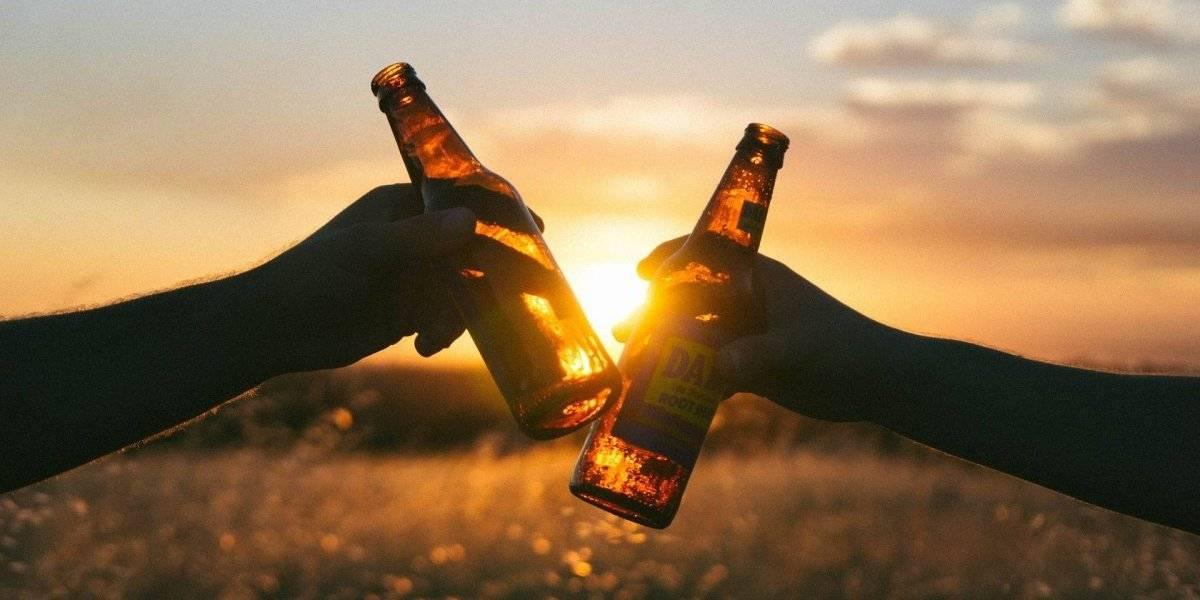 Beber uma cerveja pode ter melhor efeito que um creme antirrugas para a pele, diz estudo