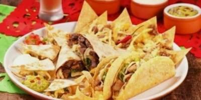 Guacamole: Combo com tacos, nachos, quesadillas e burritos por R$ 49,90 |