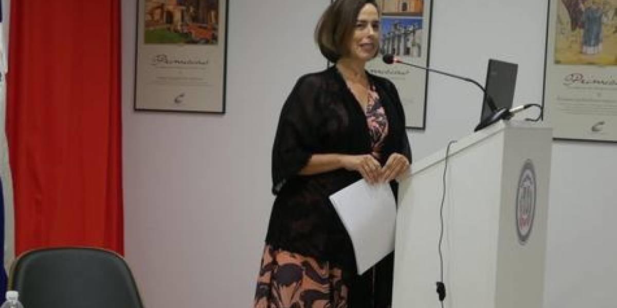 """María José Rincón habló sobre los """"Tesoros de la lengua taína"""", en la """"Feria del Libro de Madrid"""""""