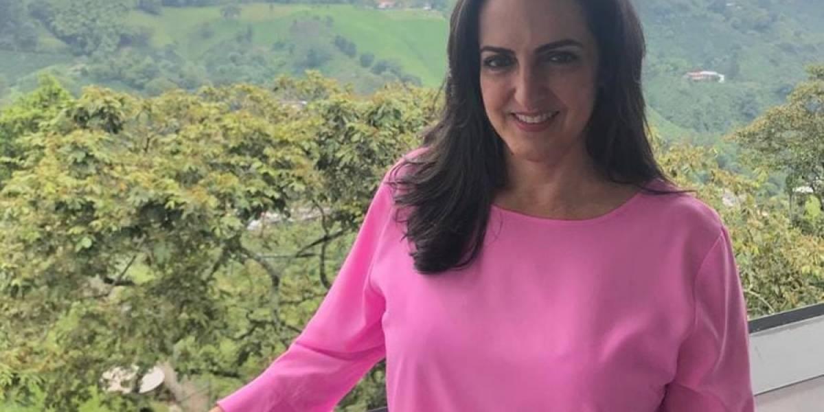 Senadora colombiana María Fernanda Cabal explica las violaciones del non grato