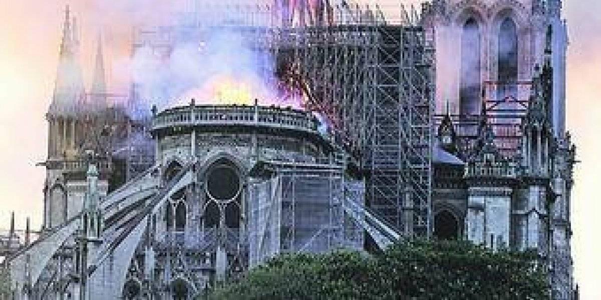 Con cascos se celebrará primera misa en Notre Dame