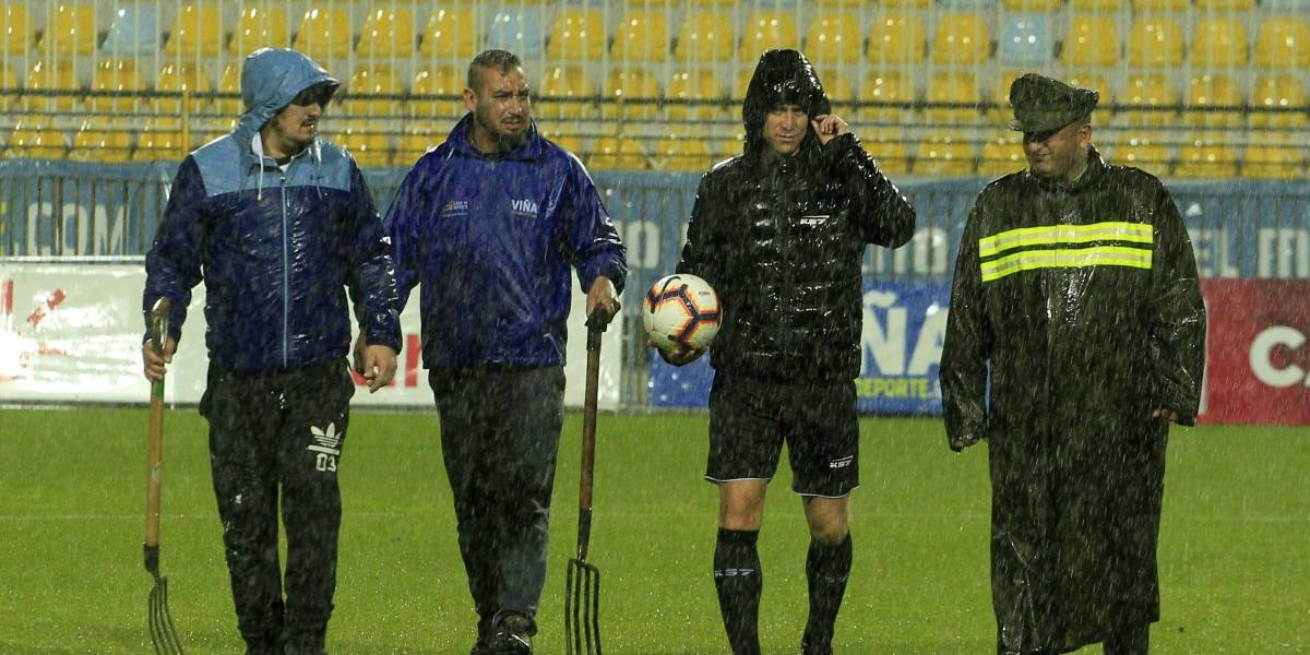 Se sigue postergando: El partido pendiente entre Everton y Cobresal ahora se suspendió por lluvia