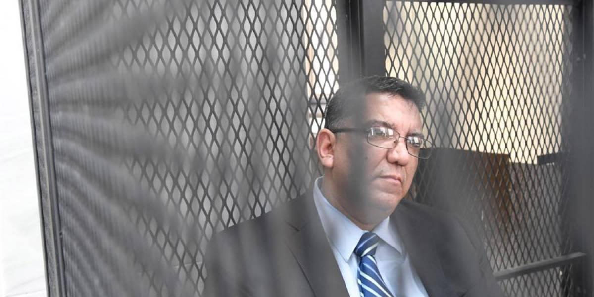 VIDEO. Exministro Víctor Corado es ligado a proceso por tres delitos