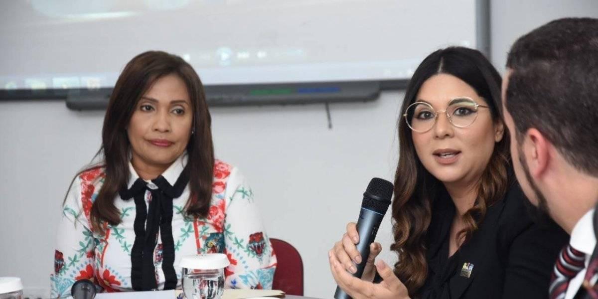 CONANI presenta ante diputados proyecto Crianza Positiva