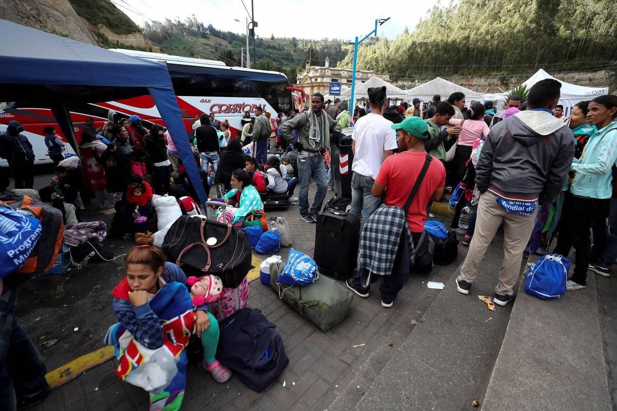 Aumenta el flujo de venezolanos en puente de Rumichaca ante pedido de visado en Perú EFE
