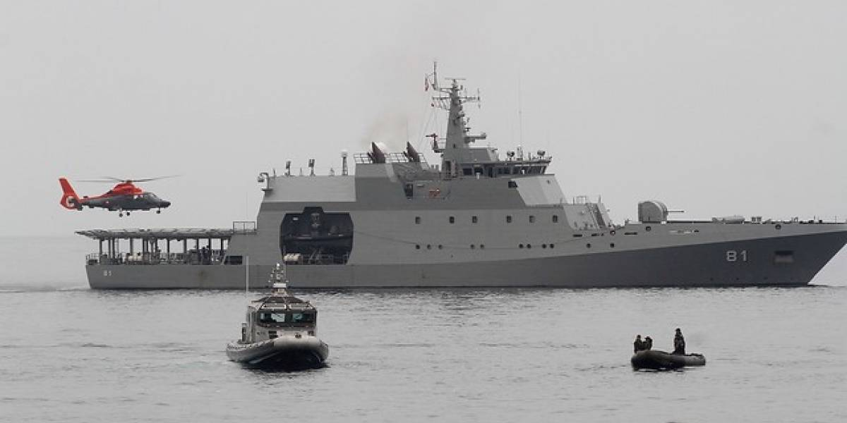 La última fue en Mejillones: Armada lleva 10 embarcaciones peruanas capturadas pescando en zona chilena