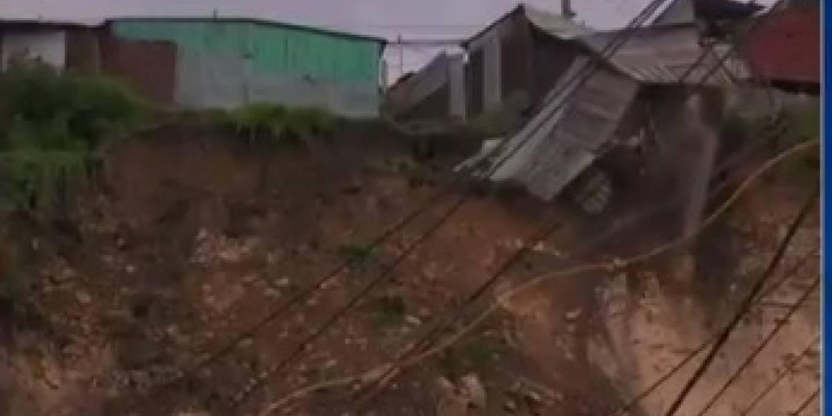 Deslizamientos tienen al borde de perderlo todo a un barrio de Soacha