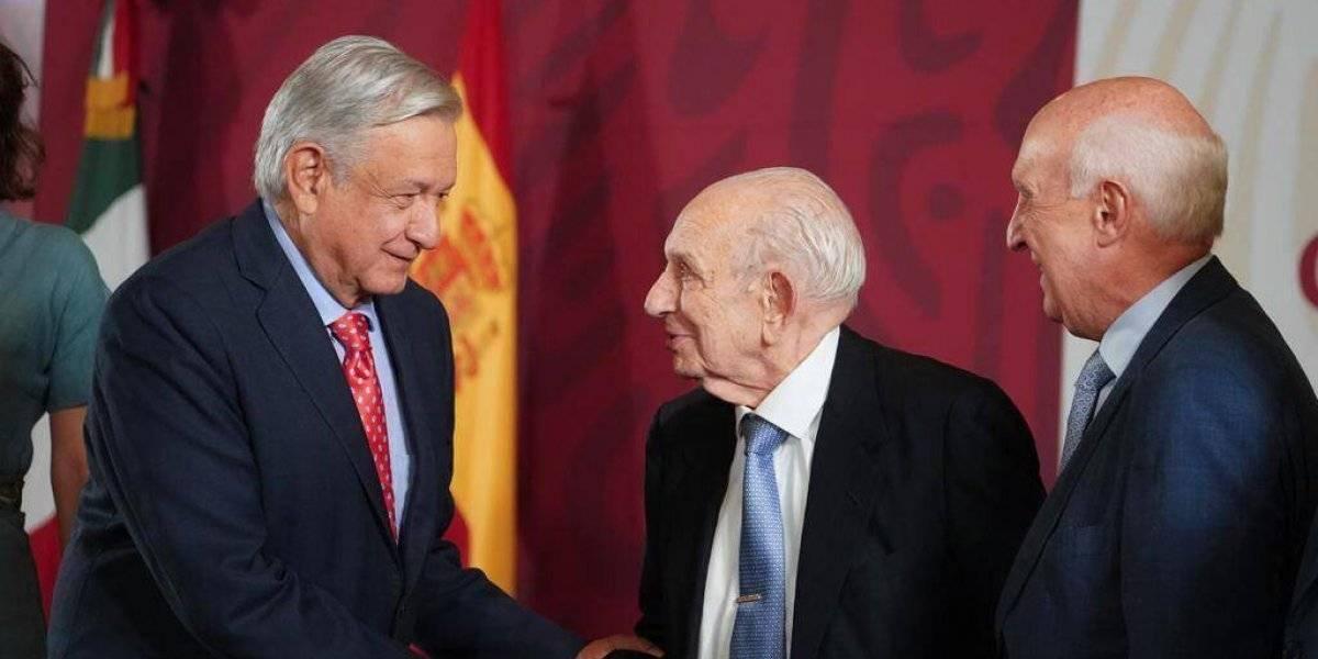 A 80 años del exilio español, AMLO garantiza protección a migrantes