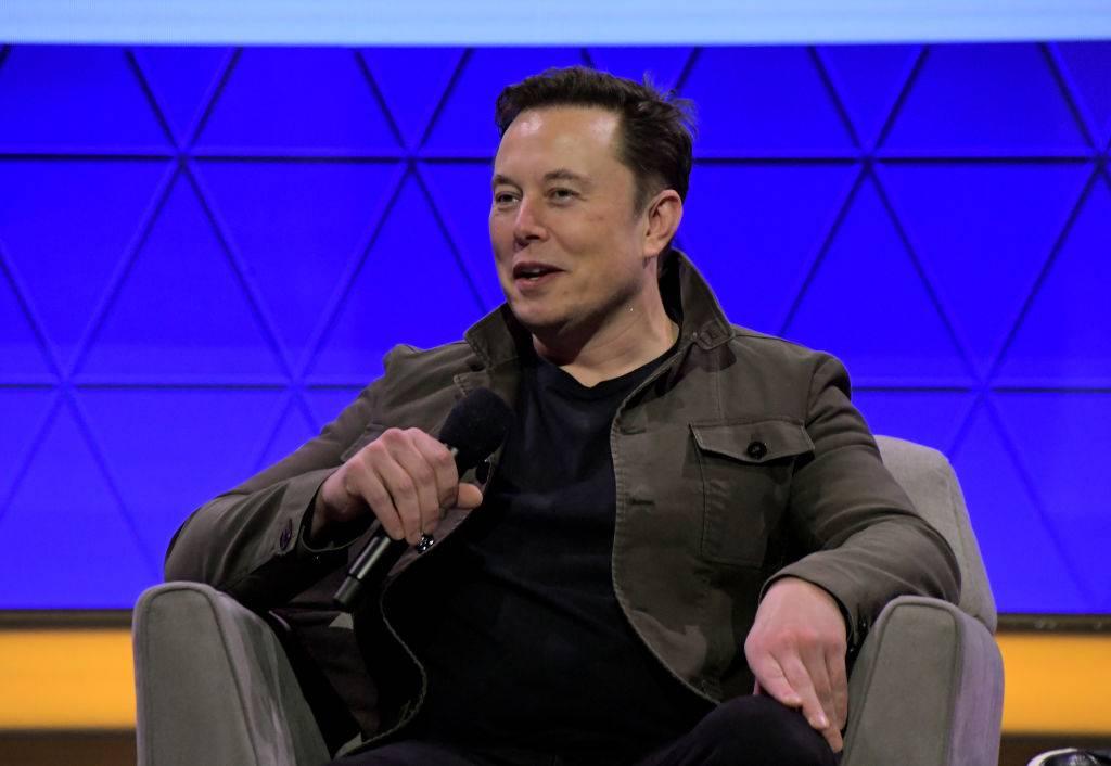 Elon Musk quiere bombardear Marte para hacerlo más habitable