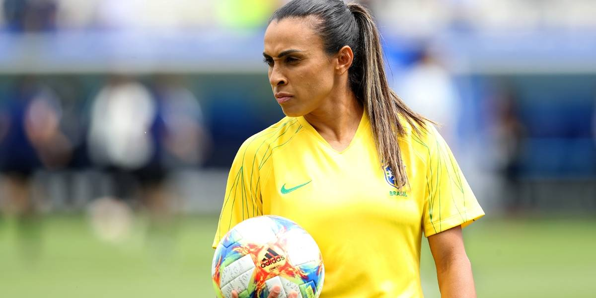 Marta se recupera de lesão e é confirmada em jogo contra a Austrália